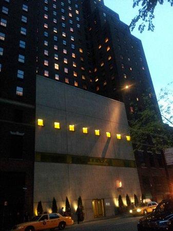 Hudson Hotel New York: esterno ingresso