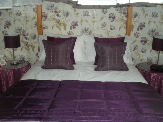 Glenfern Guest House: Four Poster Room