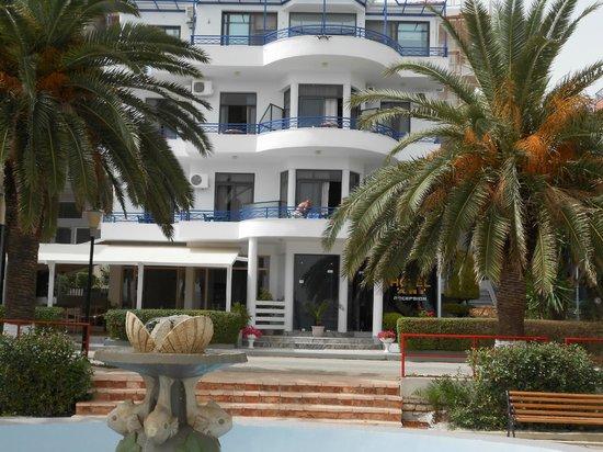 Hotel Ari
