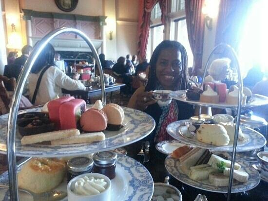 ‪فيكتوريا, كندا: Afternoon tea at the Empress hotel‬