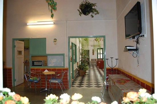 Los Jardines Colgantes de Babilonia Hostel Montevideo: Comedor