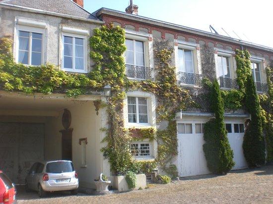 La Marotière : Entrance to building