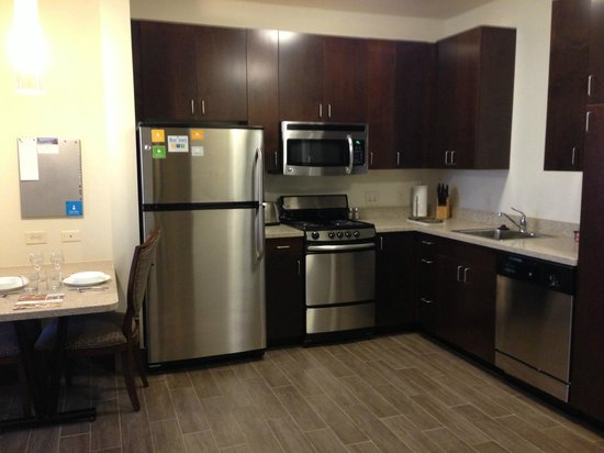 Hyatt House Minot: Full Kitchen in our 1 and 2 BR rooms!