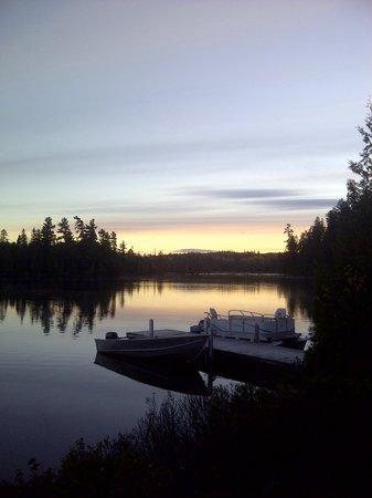 Papa John's Place: Claim Night on Herrigde Lake