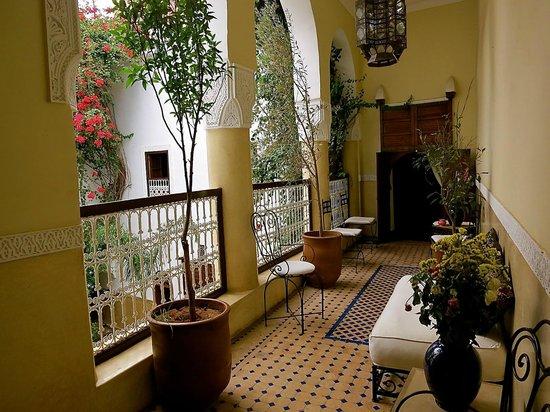 Riad Dar El Aila : Balcony