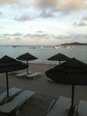 Hôtel Le Pinarello : la vue de notre chambre au coucher du soleil