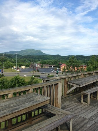 Hotel Pigeon Forge: view from room