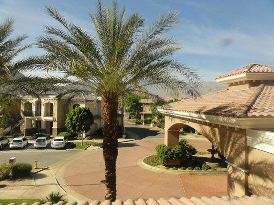 Embassy Suites by Hilton La Quinta Hotel & Spa: view from room 246,overlooks front entrance