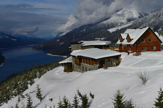 Mica Heliskiing: Mica Lodge and Chalet