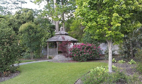 Americus Garden Inn Bed & Breakfast: On the grounds
