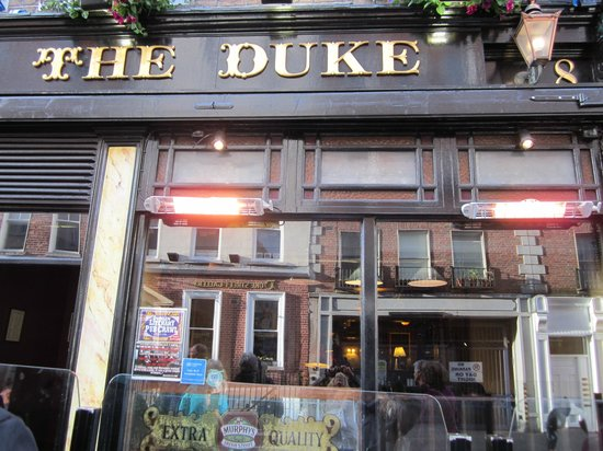 Dublin Literary Pub Crawl: Starting point at The Duke