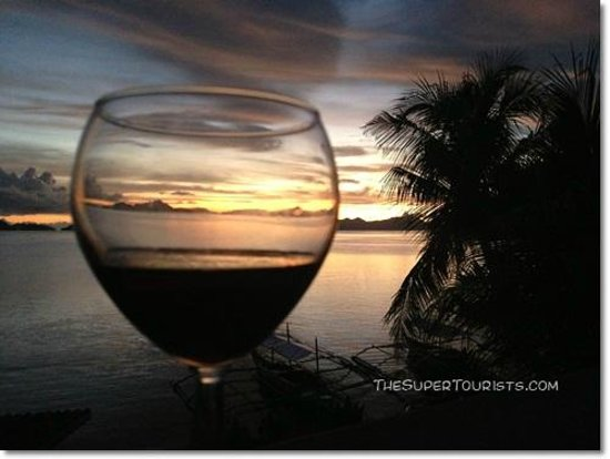 Coral Bay Resort: Sunsets - the best part about Coral Bay