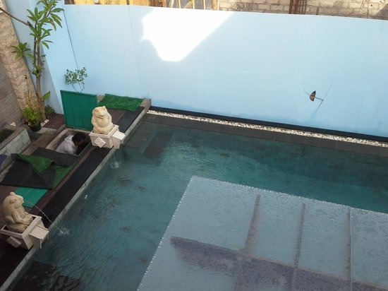 Dedy Beach INN: new pool