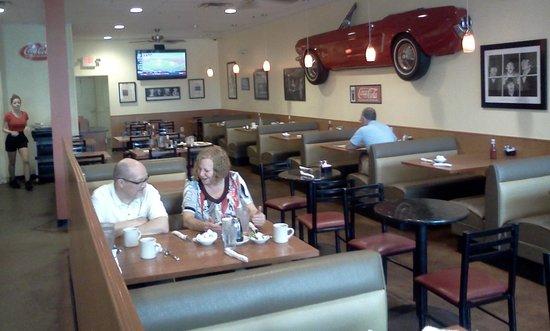 Joe's Diner: Mustang wall