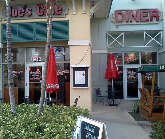 Joe's Diner: Swinging outside