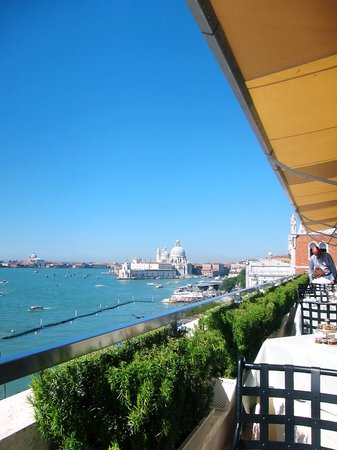 Hotel Danieli, A Luxury Collection Hotel : buffet breakfast view