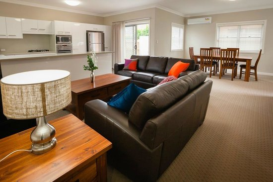 Everton Apartments: Spacious living and dining rooms for comfort and entertaining