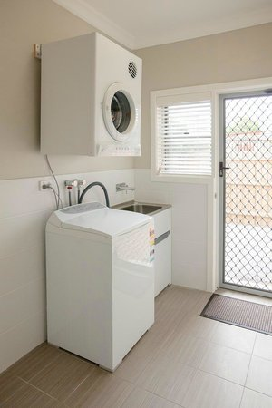 Everton Apartments: Laundry facilities in each apartment