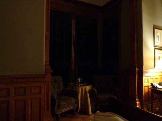 Wentworth Mansion: Dark sitting room