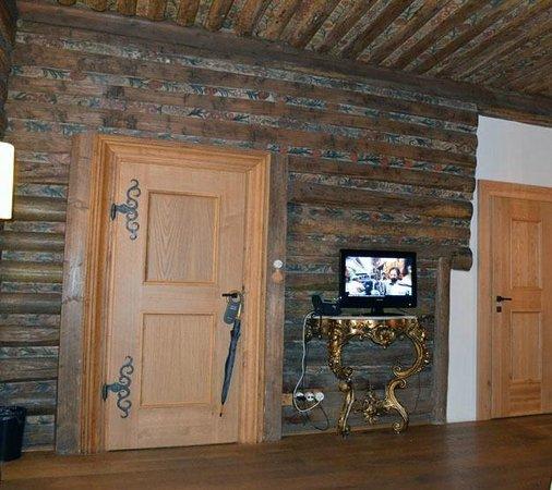 Hotel U Zeleneho hroznu (Hotel At the Green Grape): Sitting room door