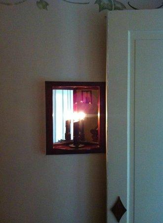 The Tolland Inn: Room 6 - Nightlight