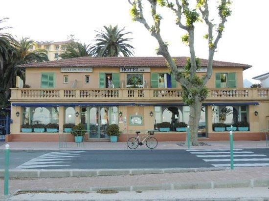 Hotel Pavillon Imperial: ホテル、外観
