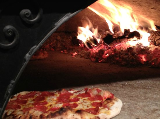 Orchard Wood Ovens: Traditional Wood Fired Pizza