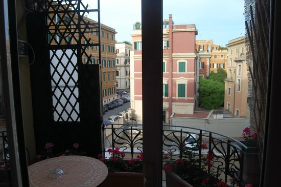 Colors Hotel: Terraza propia habitación 208
