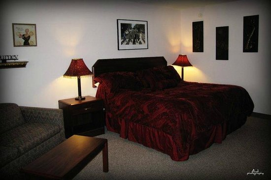 Gladstone Inn & Suites: Yester Years Suite