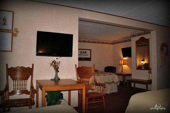 Gladstone Inn & Suites: Lewis & Clark Suite