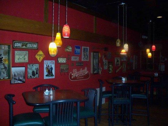 Gladstone Inn & Suites: Shady's Restaurant
