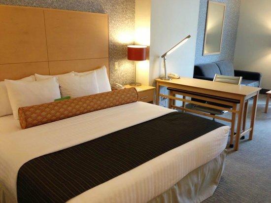 La Quinta Inn & Suites Austin NW/Lakeline Mall : Comfortable bed