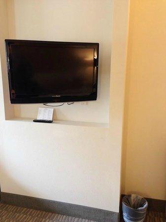 La Quinta Inn & Suites Austin NW/Lakeline Mall : Articulating TV