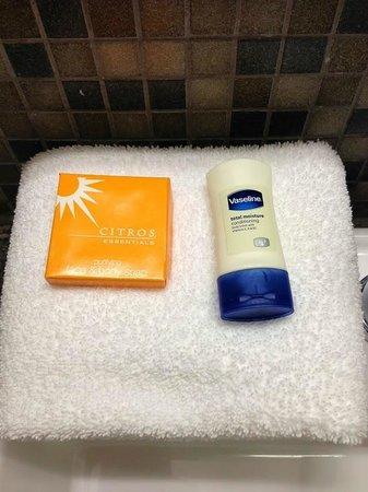 La Quinta Inn & Suites Austin NW/Lakeline Mall: Complimentary toiletries, 1