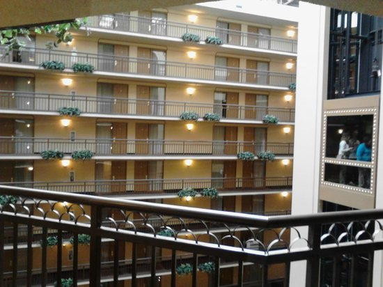 Embassy Suites by Hilton Portland Washington Square: View from Balcony