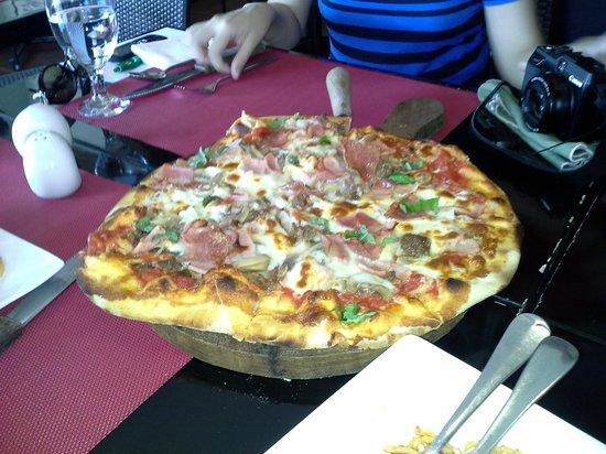 Giuseppe's Italian-Filipino: PIZZA!