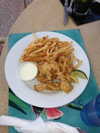 Ocean Club Cabana Bar & Grill : cracked conch