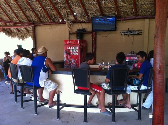 Surf Ranch Hotel & Resort : Watching the game