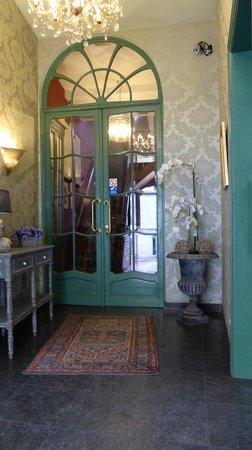 Hotel Malleberg: Front Foyer