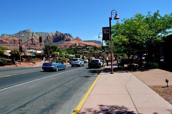Main Street: 山あいにある美しい通り