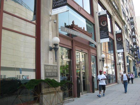 Pennsylvania Academy of the Fine Arts: gift shop inside
