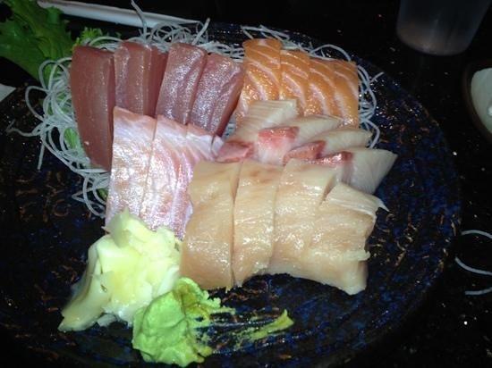 joy sushi: Sashimi meal