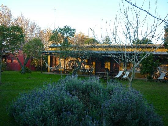 casa de campo hostera jardin