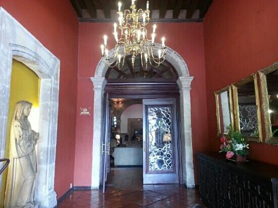 Hotel Virrey de Mendoza: Entrada