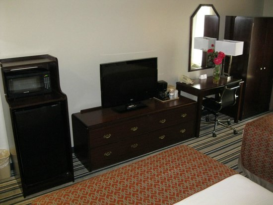 Best Western Harrisburg/Hershey Hotel: a glimpse of furniture in every room
