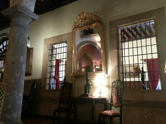 Hotel Virrey de Mendoza: Lobby sala