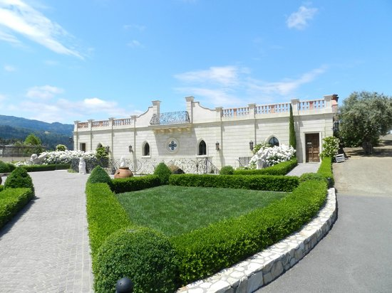 Del Dotto Vineyards & Winery: Front of Winery