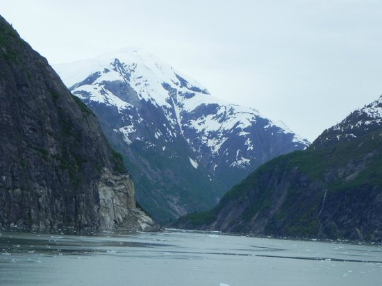 Tracy Arm Fjord: cancel pass thru because more iceberg