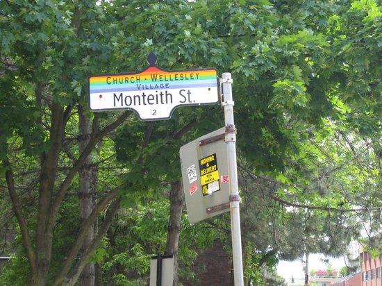 داونتاون هوم إن: The small street off of Church Street