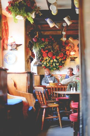 Hole in t'Wall: Customers enjoying a relaxed afternoon